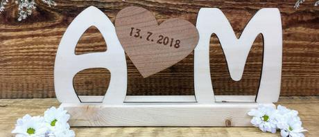 Dřevěné jméno/iniciály na Váš svatební stůl - Obrázek č. 1