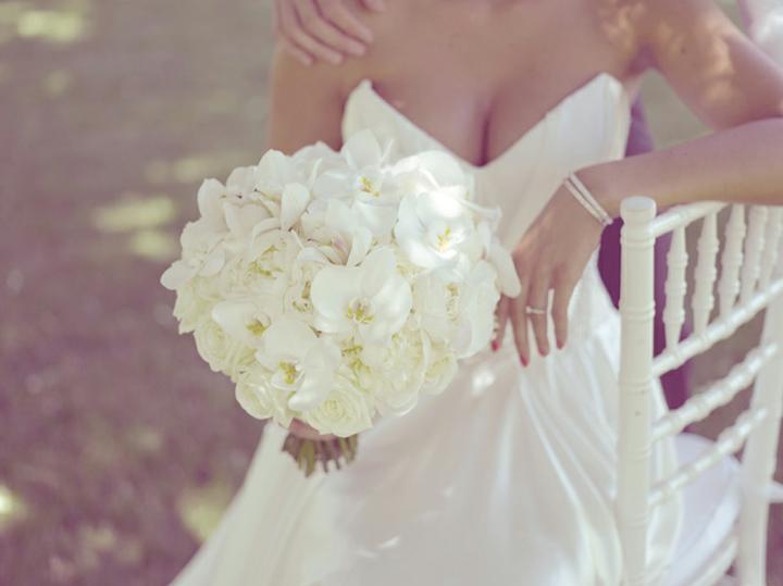 Pivonky na svadbe - tuto kyticu milujem nie je sice len z pivoniek ,ale je pre mna nadherna, dokonala... :)