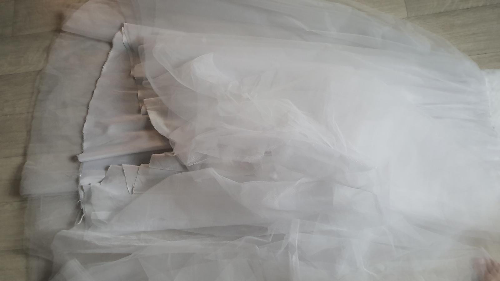 Tutu tylové svatební šaty korzezové dlouhé - Obrázek č. 4