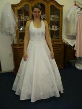 To som ja v svadobných šatách