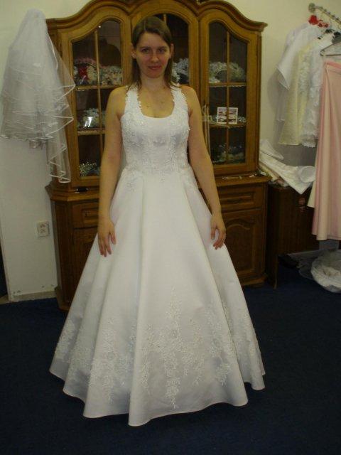 Prípravy na 13.9.2008 :-) - To som ja v svadobných šatách