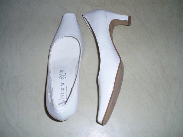 Prípravy na 13.9.2008 :-) - pohodlné topánky