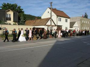 sprievod po dedine