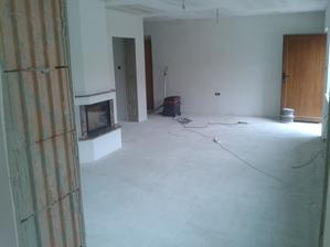 Prízemie - Obývačka Jul_15_2013 - príprava na ukladanie dlažby - povysávanie prachu a hĺbková penetrácia CERESIT CT17
