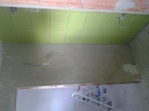 Prízemie - WC Jul_17_2013 - lepenie dlaždíc - ARTE New Pistacio - prvá stena - deň druný
