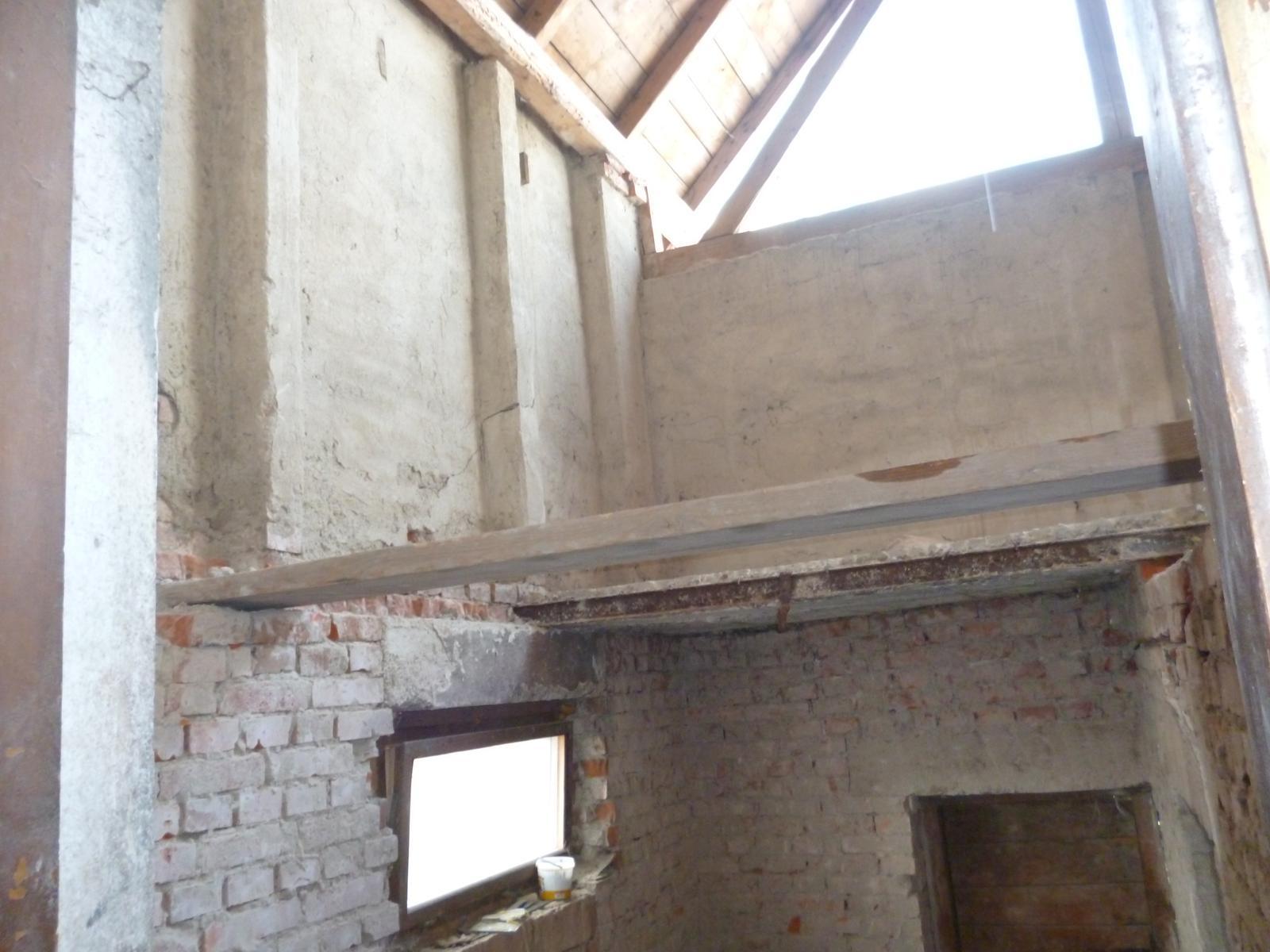 *Sen-stavba-dom-domov * - priestor pre budúce schodisko a medziposchodie