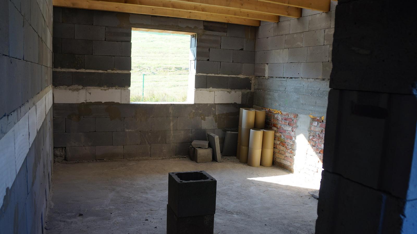 *Sen-stavba-dom-domov * - spálnička na medziposchodí :)