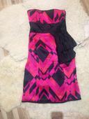 Ružovo-čierne šaty, 38