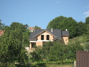 Střecha hotová 29.8.2010