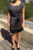 Elegantní černé šaty F&F se zlatými pruhy, 40