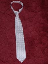 kravata po polnoci v svetlo ruzovej