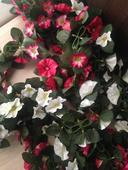 Umělé řetězy s květy,