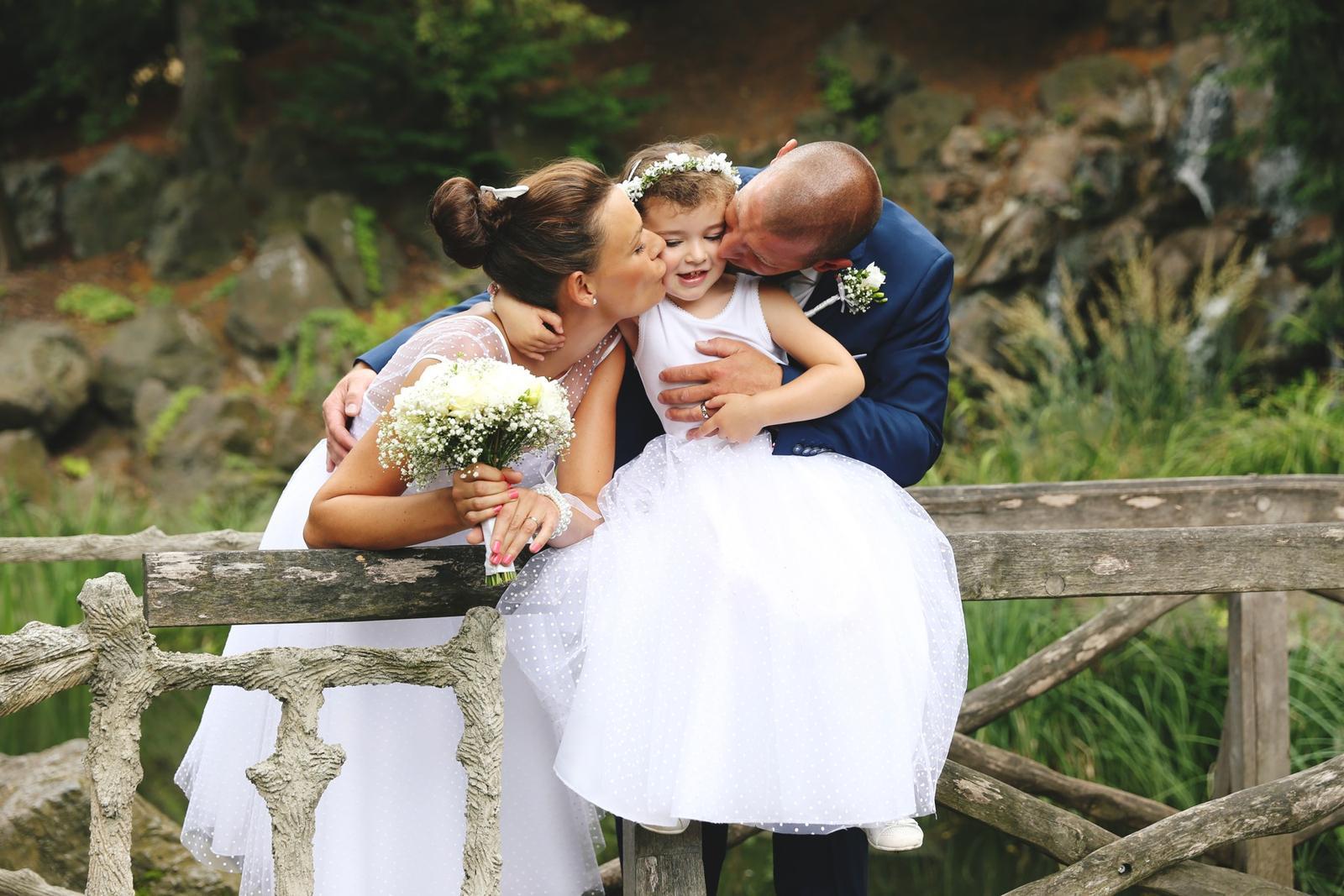 Svatební focení v Grébovce - focení na můstku v romantické Grébovce