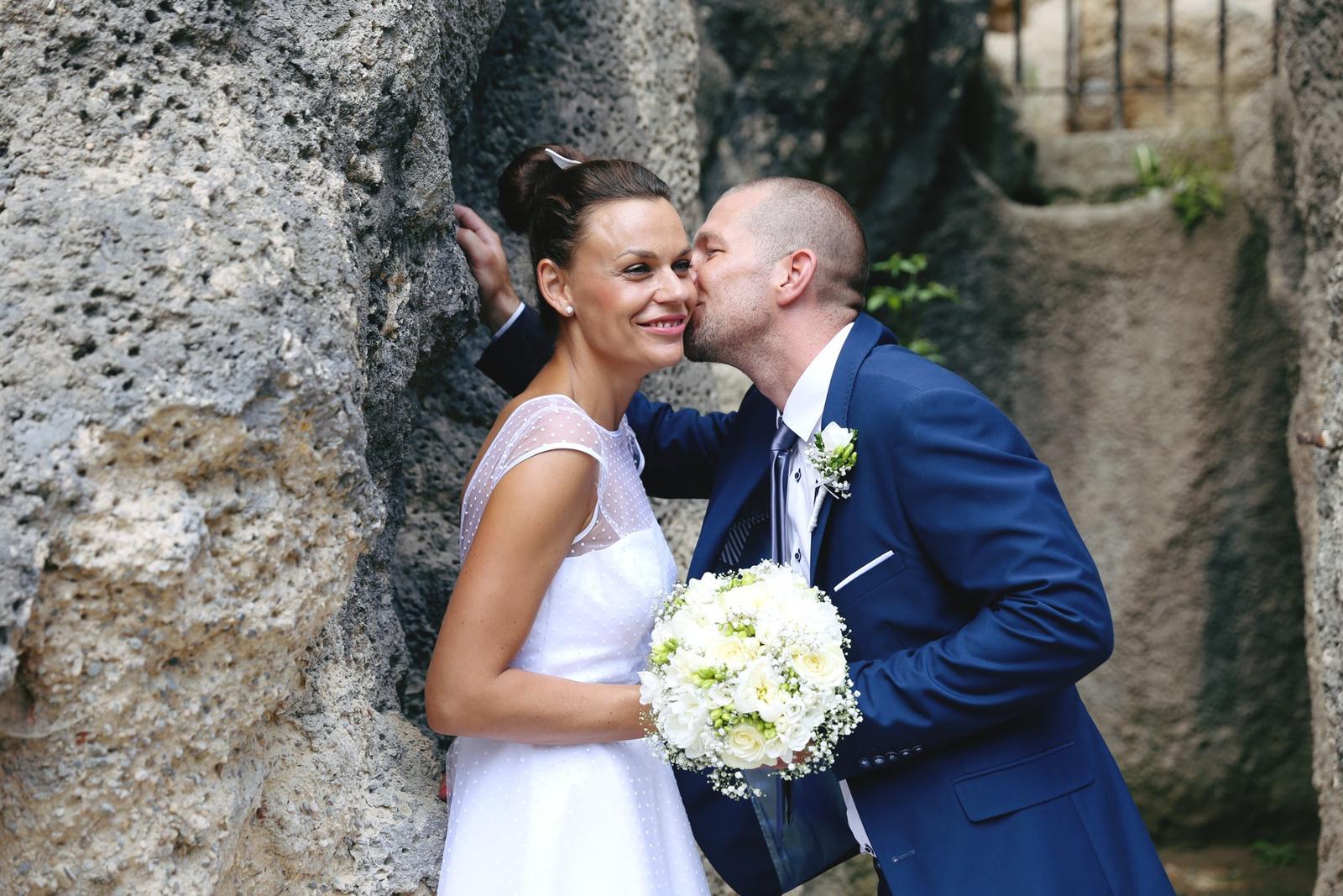 Svatební focení v Grébovce - umělá jeskyně v Grébovce