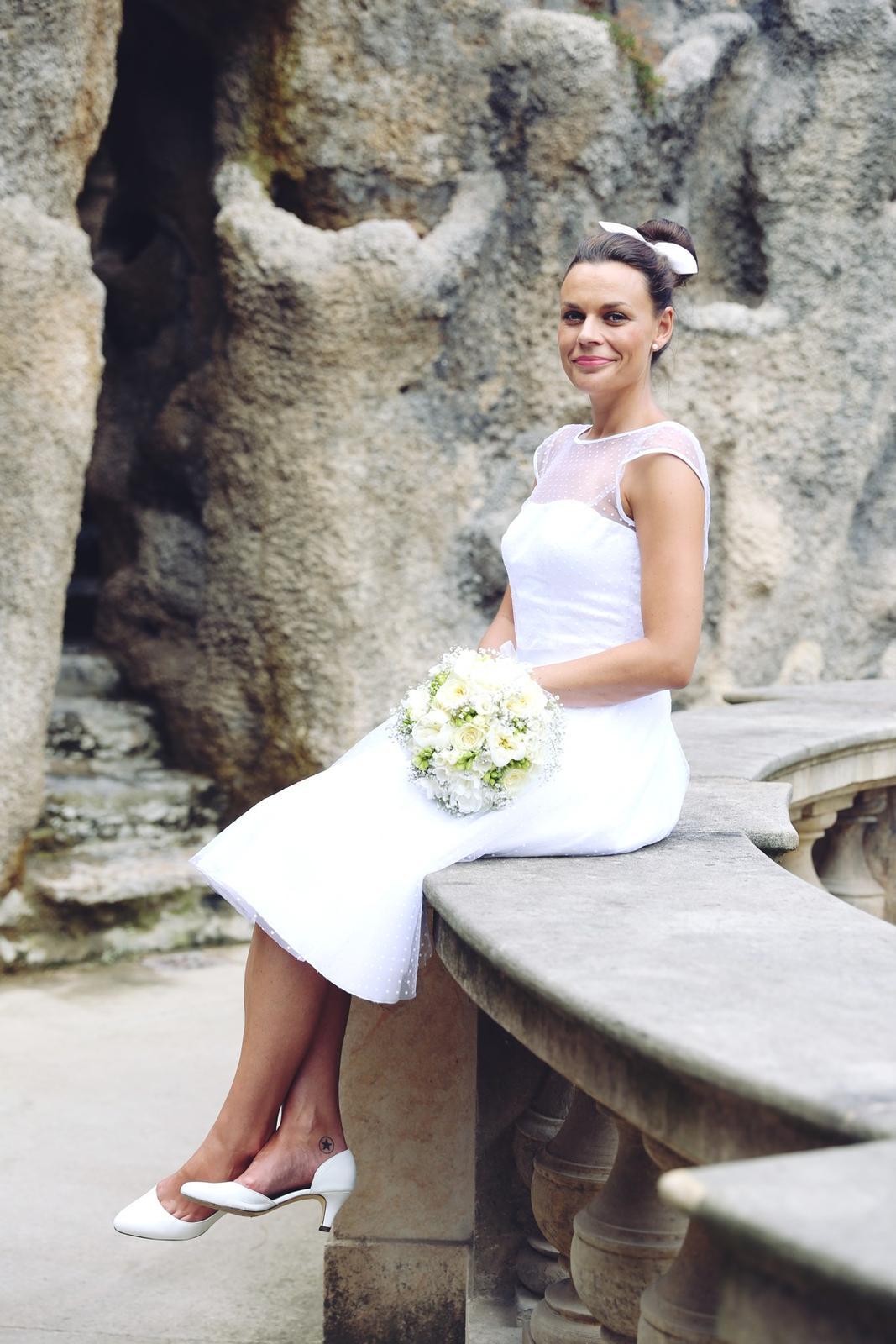 Svatební focení v Grébovce - nevěsta sólo - umělá jeskyně v Grébovce