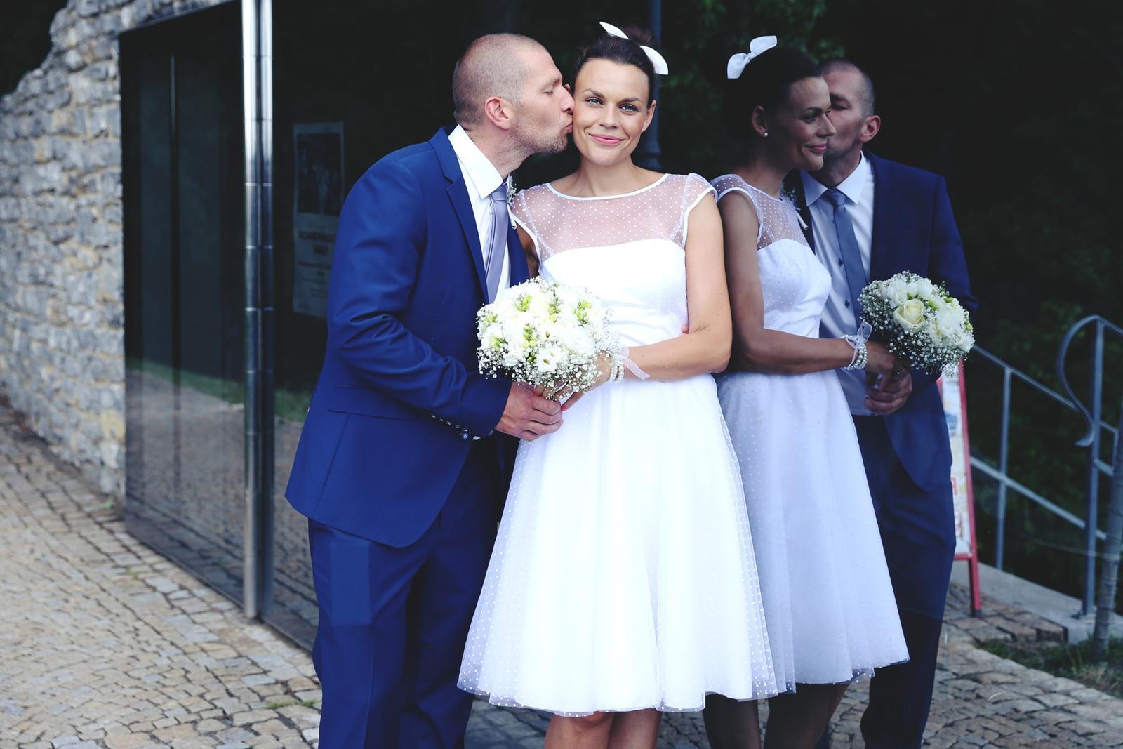 Svatební focení v Grébovce - zrcadlo v Grébovce - barevná varinta