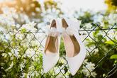svatební střevíčky nevěsty s podvazkem