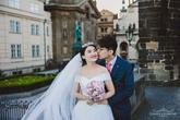 svatební focení na Karlově mostě v Praze