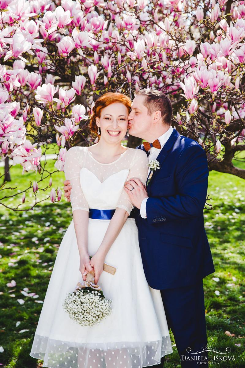 svatebni_foto_pro_vas - Svatební focení u magnolie