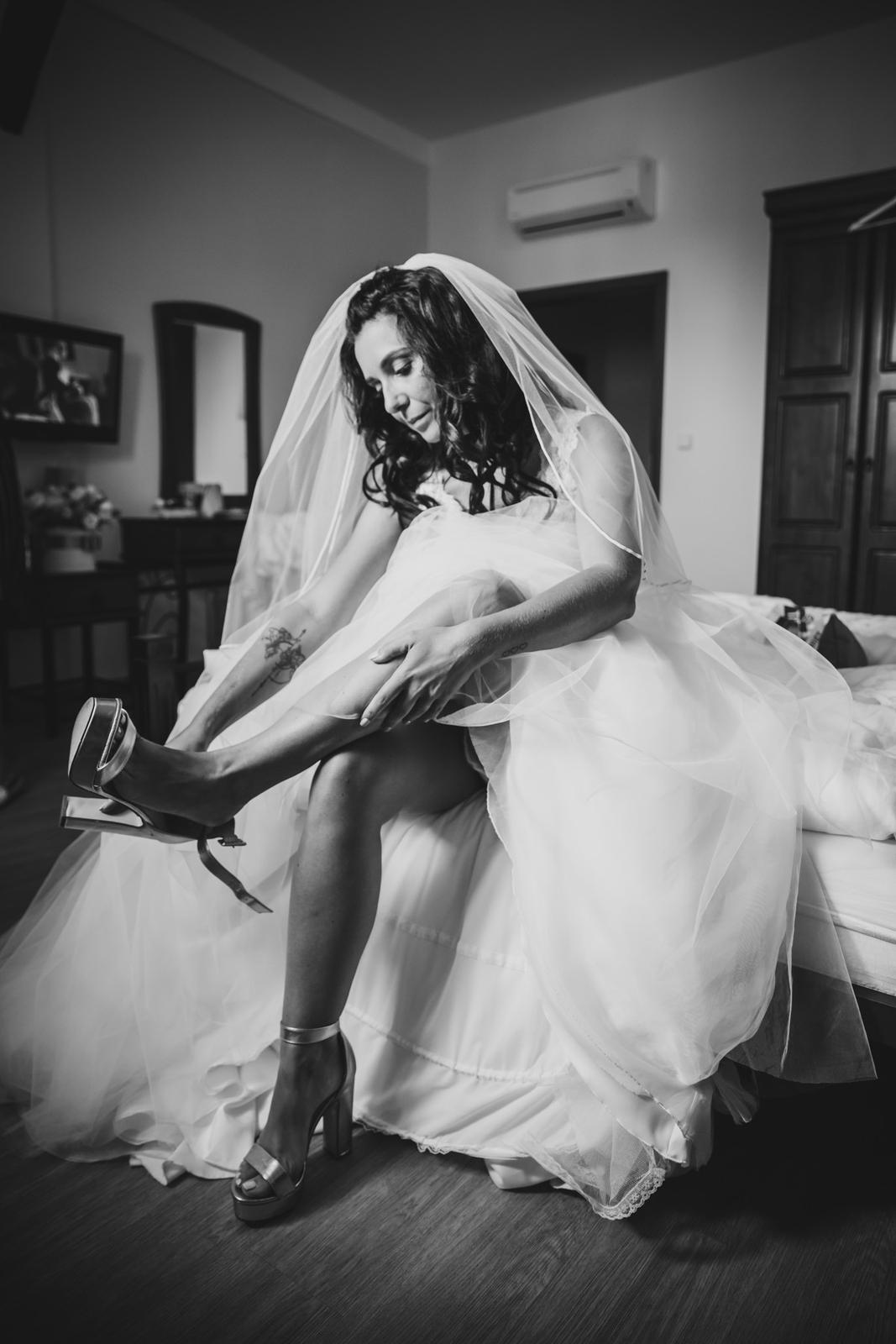 svatebni_foto_pro_vas - ranní přípravy nevěsty