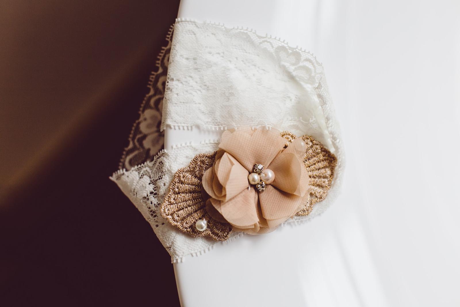 Svatební detaily - podvazek nevěsty