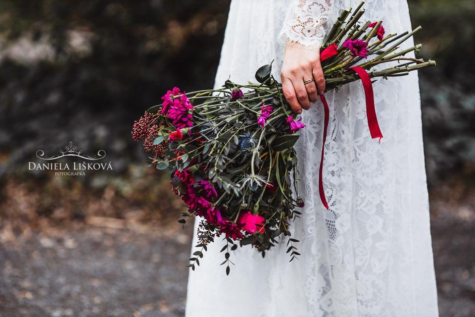 Svatební detaily - svatba v botanické zahradě Albertov