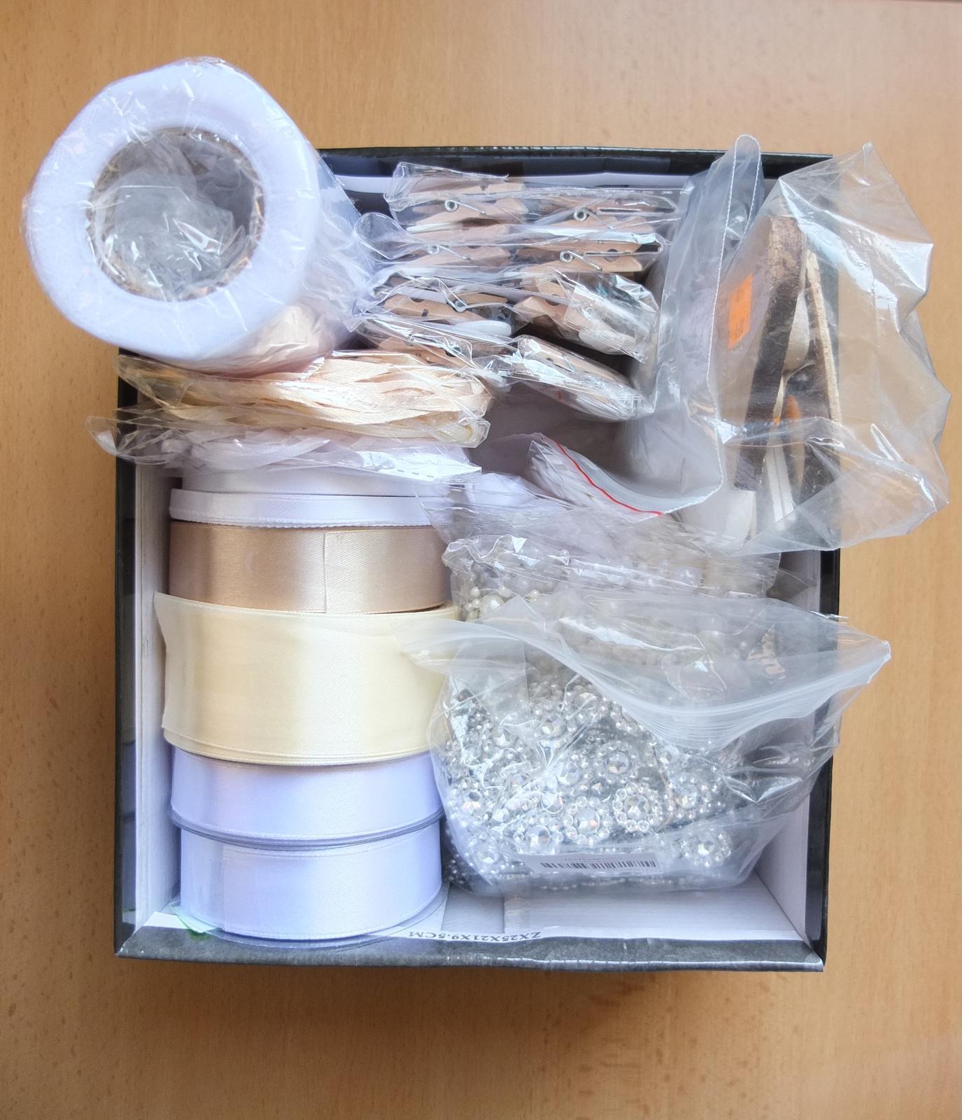 ♥ Prípravy v plnom prúde ♥ - Krabička dekoračných pomôcok