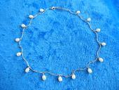Náhrdelník s perličkami,
