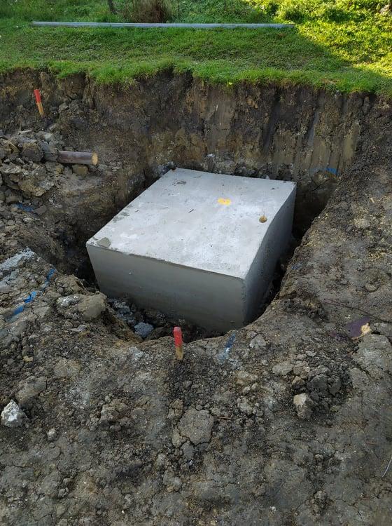 Stavba domu - Svojpomocne 🏠 - Keby niekto nevedel ako vyzera kubik betonu :)