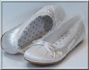 Poradí mi prosím někdo, kde sehant tyto nádherné botišky?? Nutně potřebuji bez podpadku!!