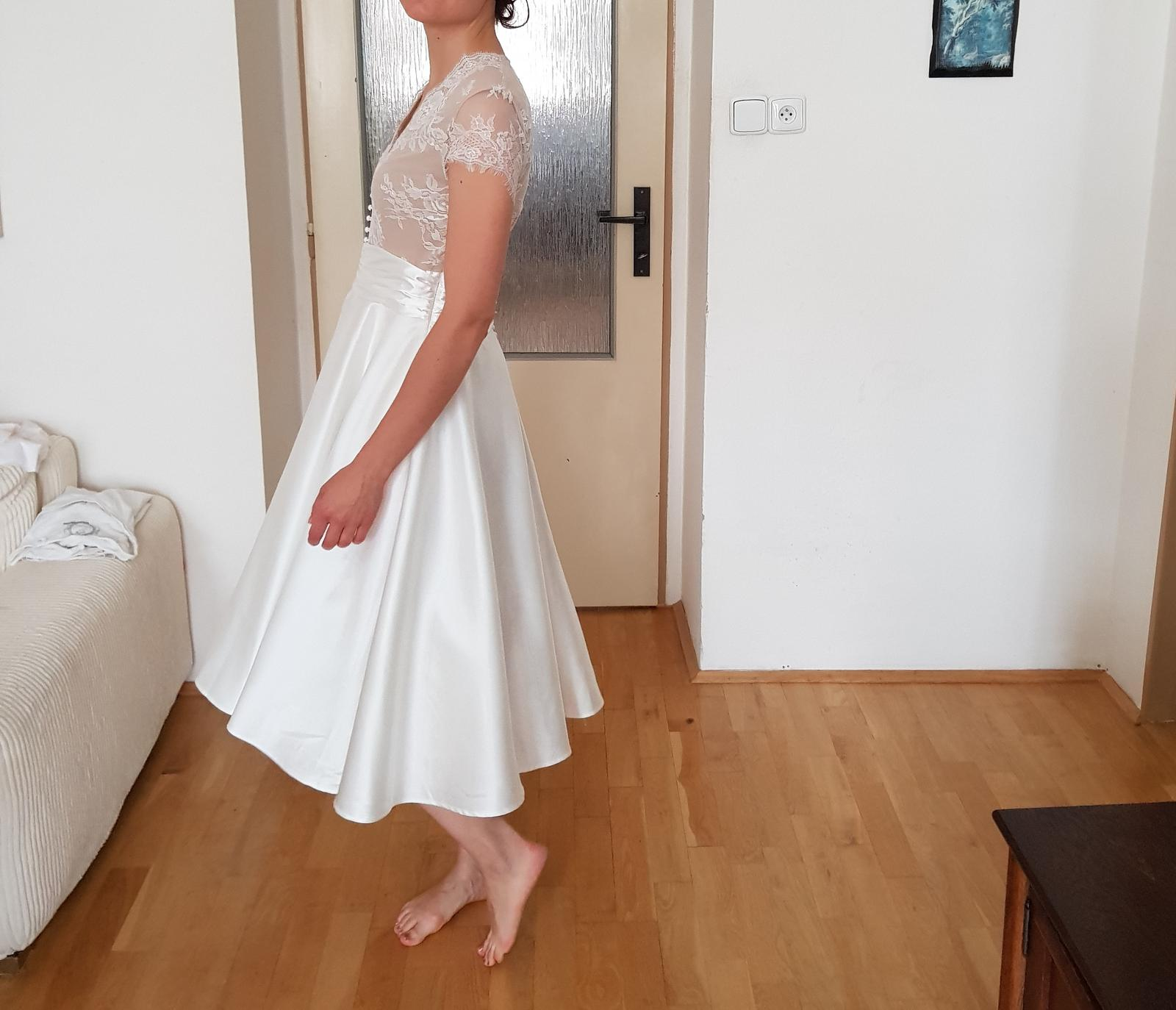 Krásné krátké svatební šaty velikost 36 - Obrázek č. 1