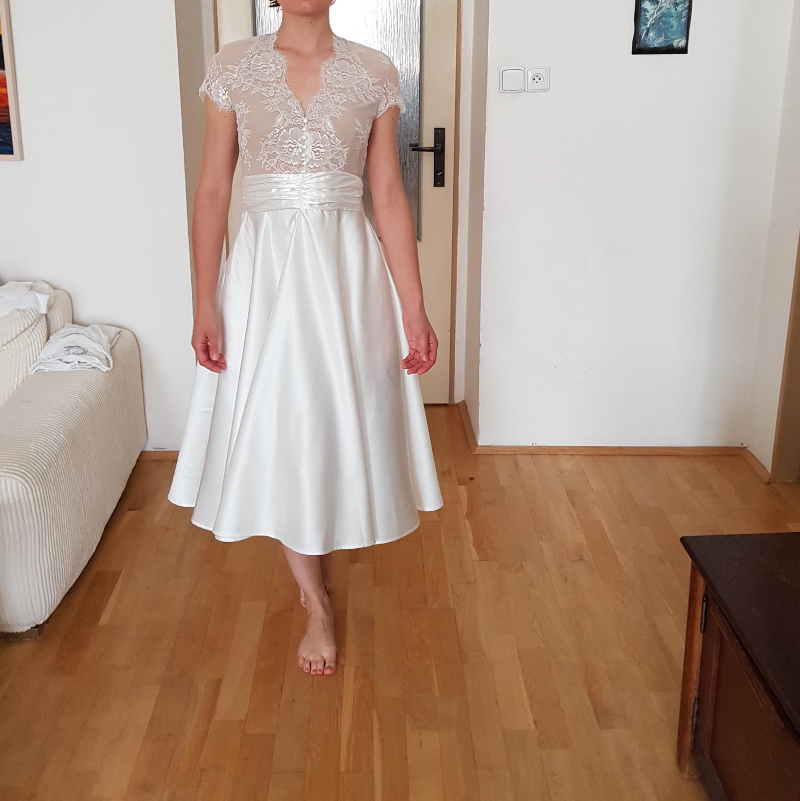 Krásné krátké svatební šaty velikost 36 - Obrázek č. 2