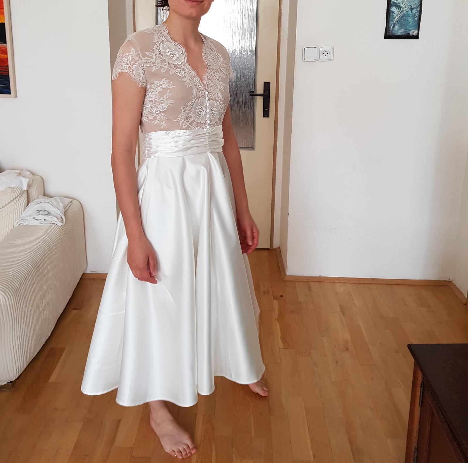 Krásné krátké svatební šaty velikost 36 - Obrázek č. 3
