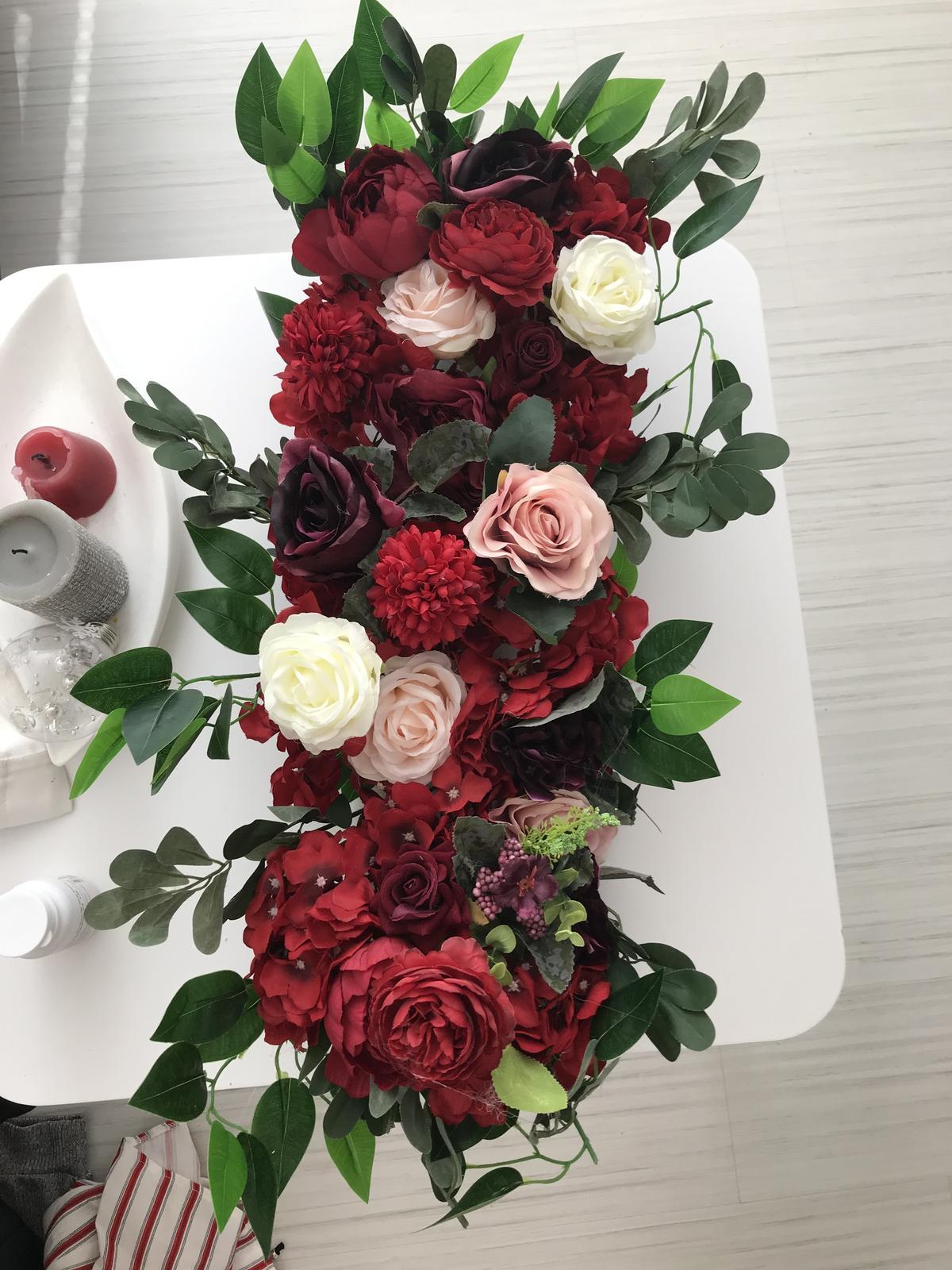 velká květinová dekorace - Obrázek č. 1
