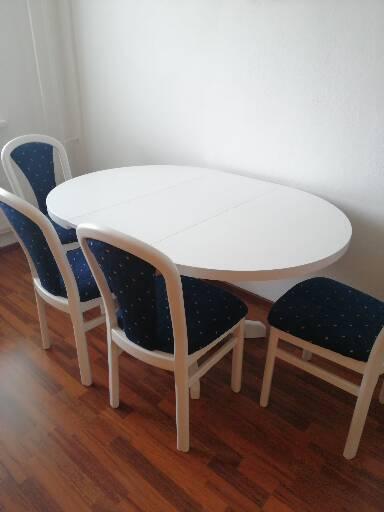 Stôl biely a stoličky - Obrázok č. 1