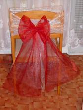 Takhle budeme zdobit židličky na svatební hostinu:)