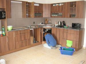 Zabydlování kuchyně...
