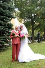 nevěsta s babičkou