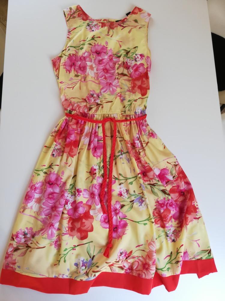 Dívčí šaty - Obrázek č. 1
