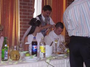 chystanie sa na svadobnú večeru