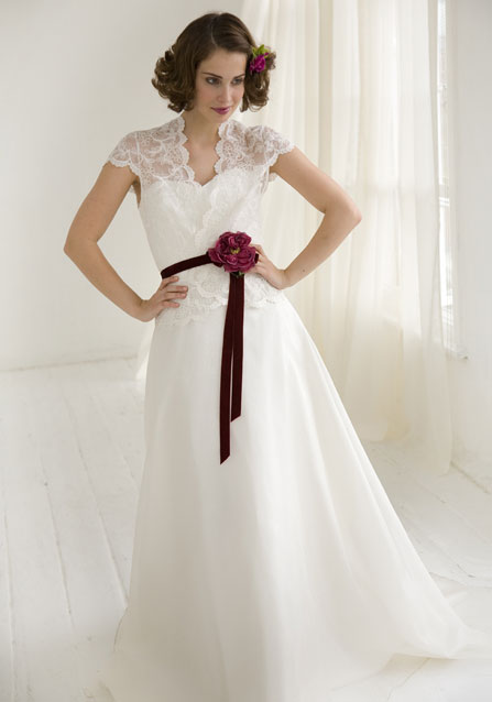 Krááásne červeno-biele šaty - Obrázok č. 13