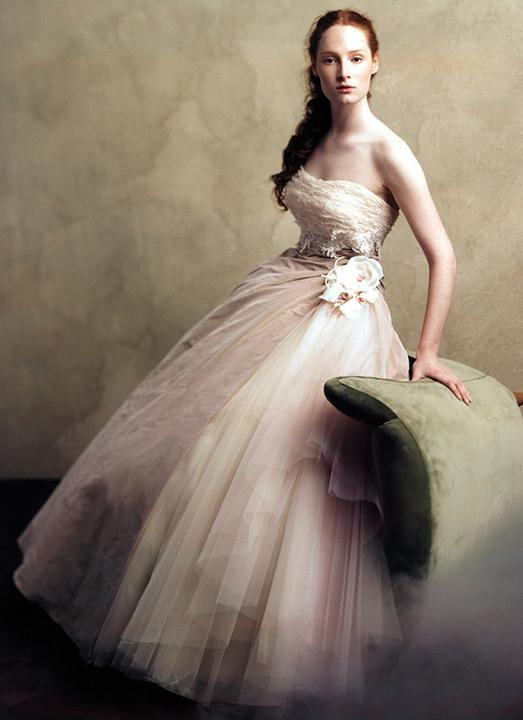 Snad neokoukané svatební šaty - Obrázek č. 507