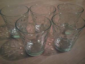 moje poháriky na plávajúe sviečky :)