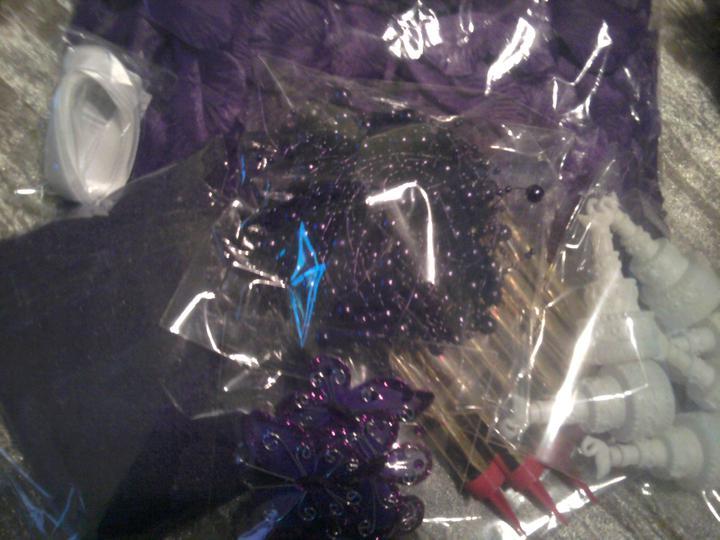 Už naše na svadbičku :) - trošku z fialovej výzdoby čo mi dnes prišla :)