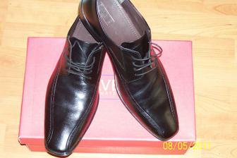 ženíchove svadobné topánočky :)