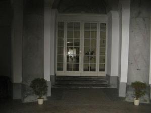 kupola vchod do saly