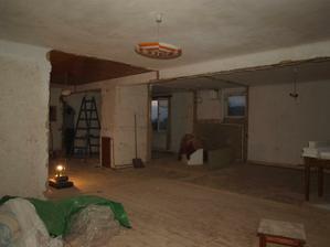 poradíte, jak tady udělat ložnici,obývák koupelnu a pokojíček???
