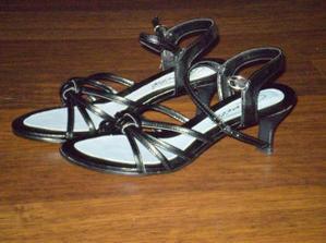 sandálky na redový a k popolnočným