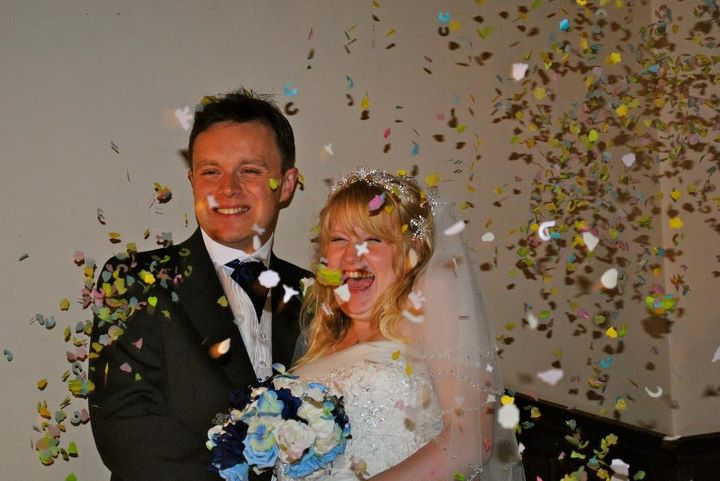 Melissa{{_AND_}}Gareth Dale - due to the horrible weather, the hotel let us do our confetti pictures inside!!