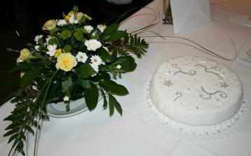 druhý dort na večerní oslavu, pečený kamarádkou